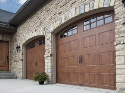 Porte de garage : soyez aux petits soins