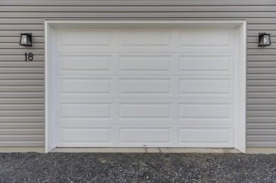 18-rue-du-Verger-Warwick-porte-garage