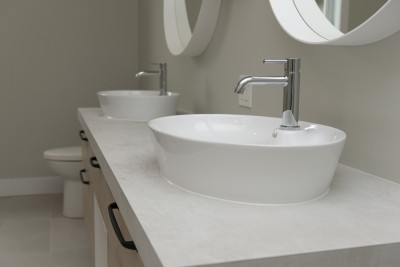 18-rue-Métivier-Warwick-lavabos