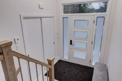 Photo-15-Petit-Rang-9-Saint-Christophe-d'Arthabaska-portes-fenêtres-escalier