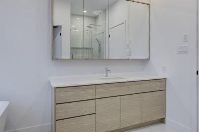 Photo-15-rue-Simard-Princeville-armoires-salle-de-bain