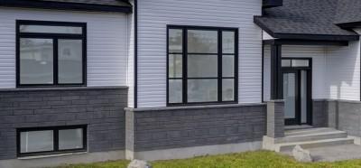 Photo-337-rue-Simard-Princeville-porte-extérieure-fenêtres