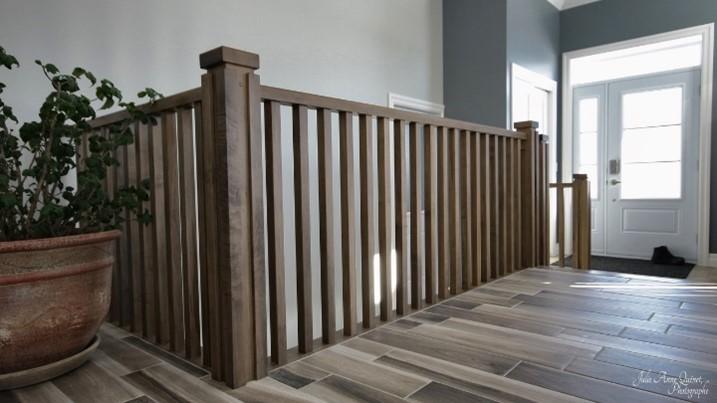 Photo escalier garde-corps en bois